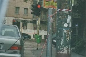 316-2002-080a - MILANO, VIALE PIAVE ANGOLO TRICOLORE, PRIMI DI APRILE